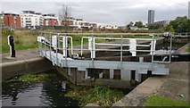 SK5702 : Freeman's Lock No 41 on the Grand Union Canal by Mat Fascione
