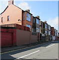 SM9006 : Marble Hall Road houses, Milford Haven by Jaggery