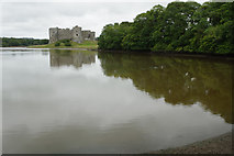 SN0403 : Carew River and Carew Castle by Stephen McKay