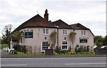 SU6269 : The Spring Inn (2), Bath Road, Sulhamstead, Berks by P L Chadwick