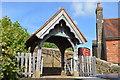 TQ5643 : Lych gate, Church of St Lawrence by N Chadwick