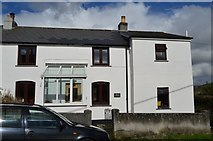 SX4563 : Cottage, Fore St by N Chadwick