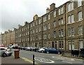 NT2775 : Tenements on Easter Road, Edinburgh by Alan Murray-Rust