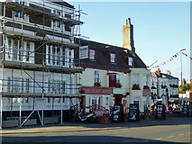 TR3752 : The Port Arms, Deal by Robin Webster