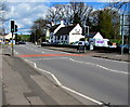 ST3093 : Pelican crossing near The Greenhouse, Llantarnam, Cwmbran by Jaggery