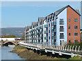 ST3188 : Riverside housing, River Usk, Newport by Robin Drayton