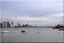 TQ3979 : The Thames at North Greenwich by Mike Pennington