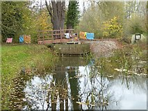 SO8843 : Constructing a new footbridge by Philip Halling