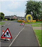 ST3049 : Temporary road signs, Westfield Drive, Burnham-on-Sea by Jaggery