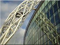 TQ1985 : The Wembley Arch by Philip Halling