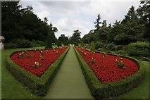 SU9185 : Garden at Cliveden by Bill Nicholls