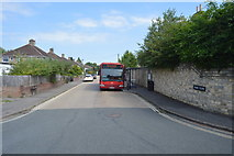 SP4809 : Bus in Home Close by N Chadwick