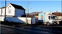 ST3090 : Peter's Pies lorry, Pillmawr Road, Malpas, Newport by Jaggery