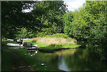 SO8685 : Stourton Arm and Lock No 4 in Staffordshire by Roger  Kidd