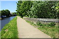 SE1537 : Leeds and Liverpool Canal at bridge over Bradford Beck by Roger Templeman