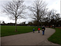 SP3165 : Victoria Park, Leamington by Rudi Winter