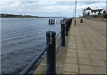 NZ3668 : South Shields promenade along the River Tyne by Mat Fascione