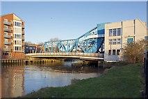 TA1029 : North Bridge, Hull by Paul Harrop
