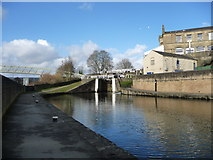 SE1039 : Lock moorings below Bingley Three Rise Locks by Christine Johnstone