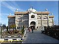 TQ6573 : The Guru Nanak Darbar Gurdwara in Gravesend by Marathon