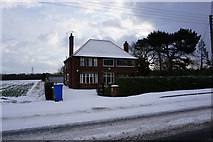 TA0233 : Windmill House, Beverley Road, Skidby by Ian S