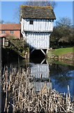 SO6855 : Timber gatehouse, Lower Brockhampton by Philip Halling