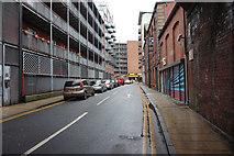 SE3033 : Cross York Street, Leeds by Ian S