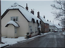 ST8010 : Okeford Fitzpaine: Nutmeg Cottage by Chris Downer