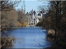TQ2979 : St James's Park Lake by Rudi Winter