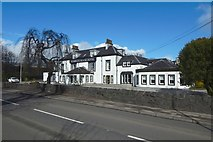 NS4174 : The Dumbuck House Hotel by Lairich Rig