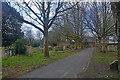SZ3295 : Lymington : St Thomas's Church Churchyard by Lewis Clarke