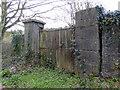 S5155 : Disused Gate at Kilkenny by PAUL FARMER