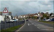 SX9473 : W-NW along Exeter Road, Teignmouth by John C