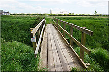 TA1914 : Footpath leading to Kings Road, Immingham by Ian S