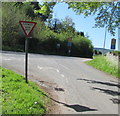SO1823 : ILDIWCH/GIVE WAY in Cwmdu, Powys by Jaggery
