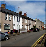 ST3288 : Row of houses, Duckpool Road, Newport by Jaggery