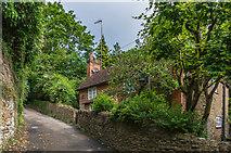 SU9948 : Pilgrim Cottage by Ian Capper