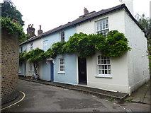 TQ1673 : Cottages in Ferry Road, Twickenham by Marathon
