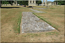ST5038 : Unidentified ruin - Glastonbury Abbey by John C