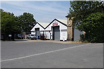 TM4069 : Alan Ross Removals and Storage, Darsham by Adrian Cable