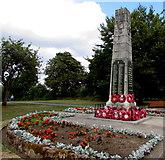 SP2871 : Kenilworth War Memorial by Jaggery