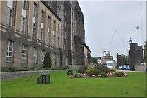 NT2674 : East side of St Andrew's House, Edinburgh by Jim Barton