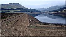 SE0103 : Dove Stone Reservoir by Mick Garratt