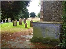 ST8080 : Listed tomb by Michael Dibb