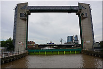 TA1028 : The River Hull tidal barrier by Ian S