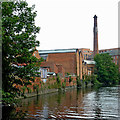 SK5905 : Grand Union Canal in Leicester by Roger  Kidd