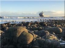 NJ9605 : Sailing to Port by David Robinson