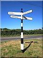 SJ5963 : Fingerpost near Oultonlowe Farm by Jeff Buck