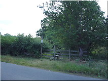SD5871 : Footpath off the B6254, Arkholme by JThomas