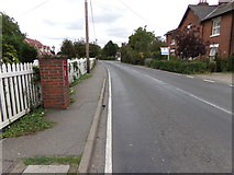 TL8526 : B1024 Coggeshall Road, Earls Colne by Adrian Cable